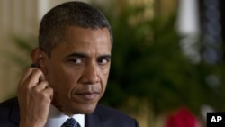 Presiden Amerika Barack Obama menolak memberikan komentar terakit keberadaan Chen Guangchen (30/4).