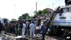 အင္ဒိုနီးရွားမွာ ရထားခ်င္းတိုက္ လူ ၃၆ ဦးေသဆံုး