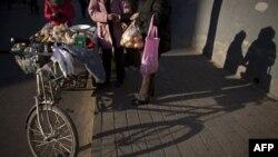 Tình trạng lạm phát ở Trung Quốc đang lên tới gần 5% một năm và giá thực phẩm đã tăng vọt lên 10% mỗi năm