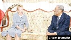 Jakadiyar Faransa dake Christine Robbinson da Shugaban Majalisar Dattawan Kasar