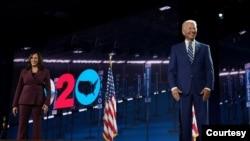 美国民主党总统和副总统候选人2020年8月19日出席民主党全国代表大会(民主党全代会视频截图)