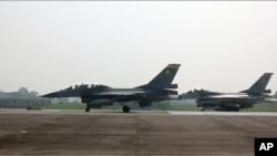 台湾现役F-16战机(资料)