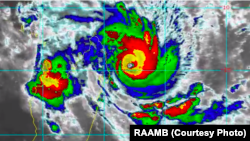Le cyclone Enawo se dirige sur Madagascar, le 7 mars 2017.