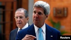 美國國務卿克里在印度尼西亞舉行的亞太經合組織峰會上