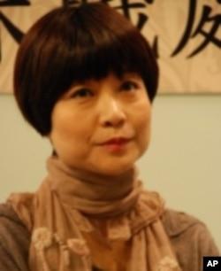 光華新聞文化中心主任張曼娟