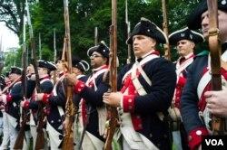 """історична реконструкція """"Генерал Вашингтон обходить військо"""""""