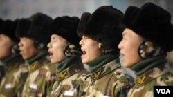 El secretario de Defensa de EE.UU. reconoció que las fuerzas militares de China avanzan rápidamente, aunque todavía lejos de EE.UU.