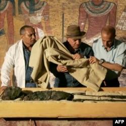 Arheolozi otkrivaju mumiju egipatskog kralja Tutankamona