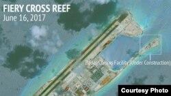 卫星地图显示中国在南中国海填海造岛的活动(亚洲海事透明项目网站图片)