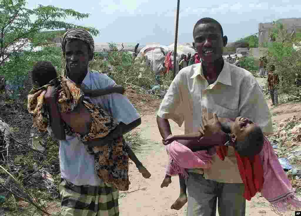 Rag kor u sida caruur ay dhaleen oo nafaqo daro hayso, Mogadishu,