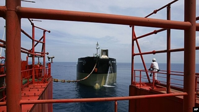 Liberian-flagged tanker Yuri Senkevich, Lufeng oil field, South China Sea, May 2006 (file photo).