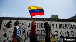 La calle será escenario para que oficialismo y oposición midan fuerzas ante problemas como la violencia que se vive en Venezuela.