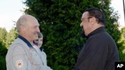 استوین سیگال با الکساندر لوکاشنکو