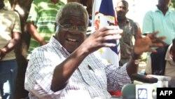 Afonso Dhlakama, na Gorongosa