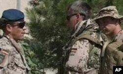 عساکر آلمانی در مزارشریف که مسئولیت امنیتی را در آن شهر به افغانها سپردند.