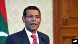 مالدیپ: سابق صدر کے وارنٹ گرفتاری جاری