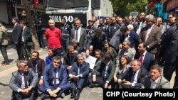 Parlementerên CHP'ê di xwepêşandanekê de ne (Arşîv)