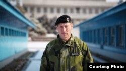 판문점 중립국감독위원회 본부에서 스웨덴 대표인 매츠 앵그먼 공군 소장
