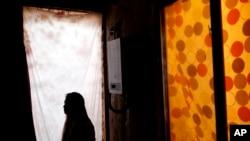 Miles de niñas quedan secuestradas por estructuras criminales que las obligan a prostituirse.