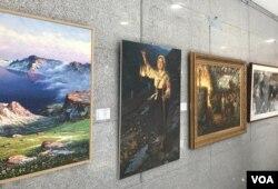 한반도 평화통일을 기원하며 남북한 화가들의 그림을 한 자리에 모은 '백두에서 한라까지' 전시회가 서울 여의도 국회의원회관에서 열리고 있다.