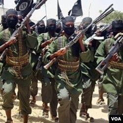 Kelompok militan Al-Shabab dilaporkan berhasil merebut kembali posisi-posisi penting di ibukota Mogadishu.