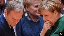 Дональд Туск, Даля Ґрібаускайте та Анґела Меркель на саміті ЄС у березні, 2017 року