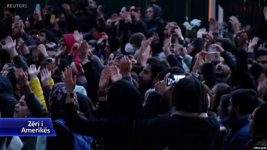 Iran, familjarët e viktimave protestojnë me zemërim ndaj qeverisë
