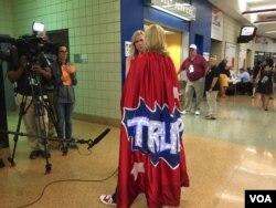 共和党代表大会上的政治时装秀(美国之音杨晨拍摄)