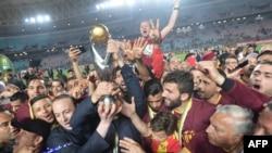 Les joueurs de l'Espérance de Tunis célèbrent leur sacre de le Wydad Casablanca en ligue des champions, Tunisie, le 31 mai 2019.