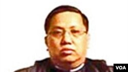 mantan perwira tinggi intelijen Birma, Aung Lynn Htut.