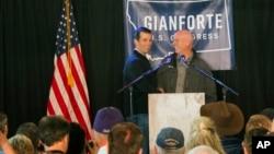 Republikanac Greg Đanforte (desno) na predizbornom mitingu 11.maja