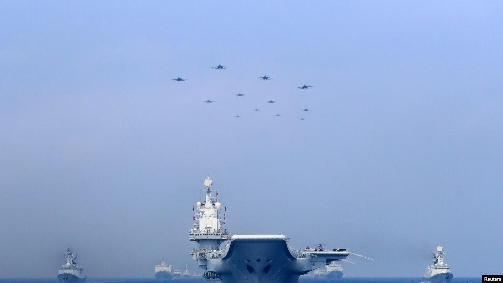 Chiến hạm và chiến đấu cơ của quân đội Trung Quốc phô diễn sức mạnh quân sự trên Biển Đông