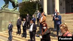Konferencija za medija Saveza za Srbiju ispred zgrade Narodne skupštine Srbije, Foto: Facebook