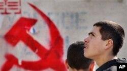 Simbol komunisme sudah dilarang di Georgia, di Moldova, di banyak negara Eropa Timur, dan sekarang di Ukraina (foto: dok.).