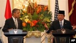 记者会上,美国总统奥巴马印尼总统苏西诺.班邦.尤多约诺
