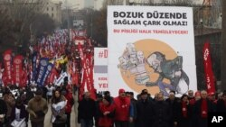 Turkish citizensin Ankara, the capital, protest reported corruption by the Erdogan government