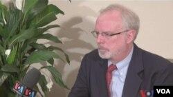 Đại sứ Mỹ David Shear trả lời phỏng vấn VOA