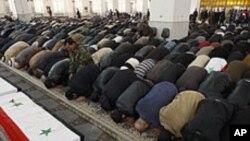 دمشق بم دھماکہ، ہلاک ہونے والے26 افراد کی نمازِ جنازہ