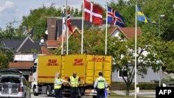 Danski policajci na granici sa Nemačkom (arhivski snimak)