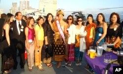 ປະກອບສ່ວນໃນງານລ້ຽງຣາຕຣີສະໂມສອນ Asian Heritage Awards