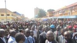 Les commerçants de Bangui au micro de Freeman Sipila