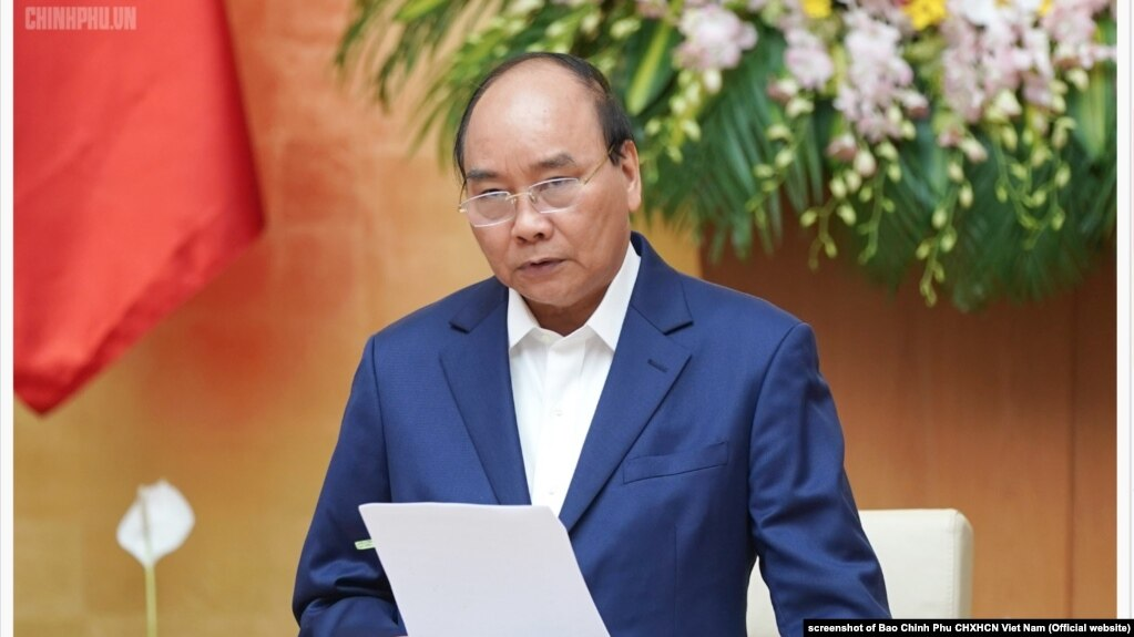 Thủ tướng Nguyễn Xuân Phúc tại phiên họp chính phủ, 2/4/2019