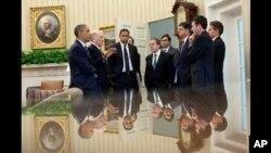 Predsjednik Obama sa suradnicima nakon nedavnog sastanka s kongresnim čelnicima u Bijeloj kući