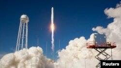 민간 우주화물선 발사 성공