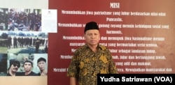 Kandidat bakal calon wakil walikota jalur Perseorangan di Pilkada Solo, FX Supardjo saaat ditemui VOA di Posko Pemenangan, Rabu (2/9). (Foto : VOA/Yudha Satriawan)