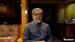 Avganistanski predsednički kandidat, bivši ministar spoljnih poslova Abdula Abdula za vreme intervjua u Kabulu, 9. aprila 2014.