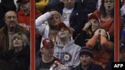 Вратарь команды «Philadelphia Flyers» Сергей Бобровский. Филадельфия. 20 декабря 2011 года
