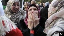 لیبیایی ها در سرور مرگ قذافی