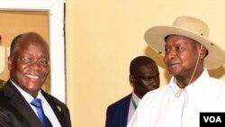 Rais Museveni na Rais Magufuli