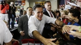 Republican presidential candidate Mitt Romney campaigns in Avon Lake, Ohio, Oct. 29, 2012.